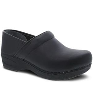 Dansko XP 2.0 WP Clogs
